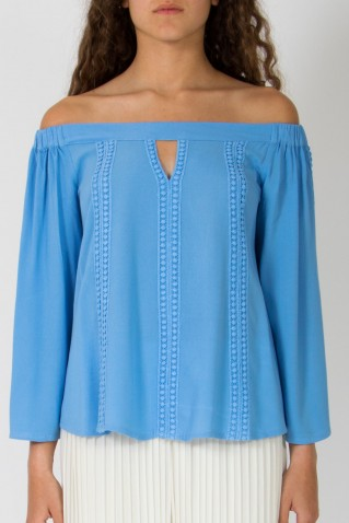 OFF-THE-SHOULDER BLOUSE WITH CROCHET DETAIL